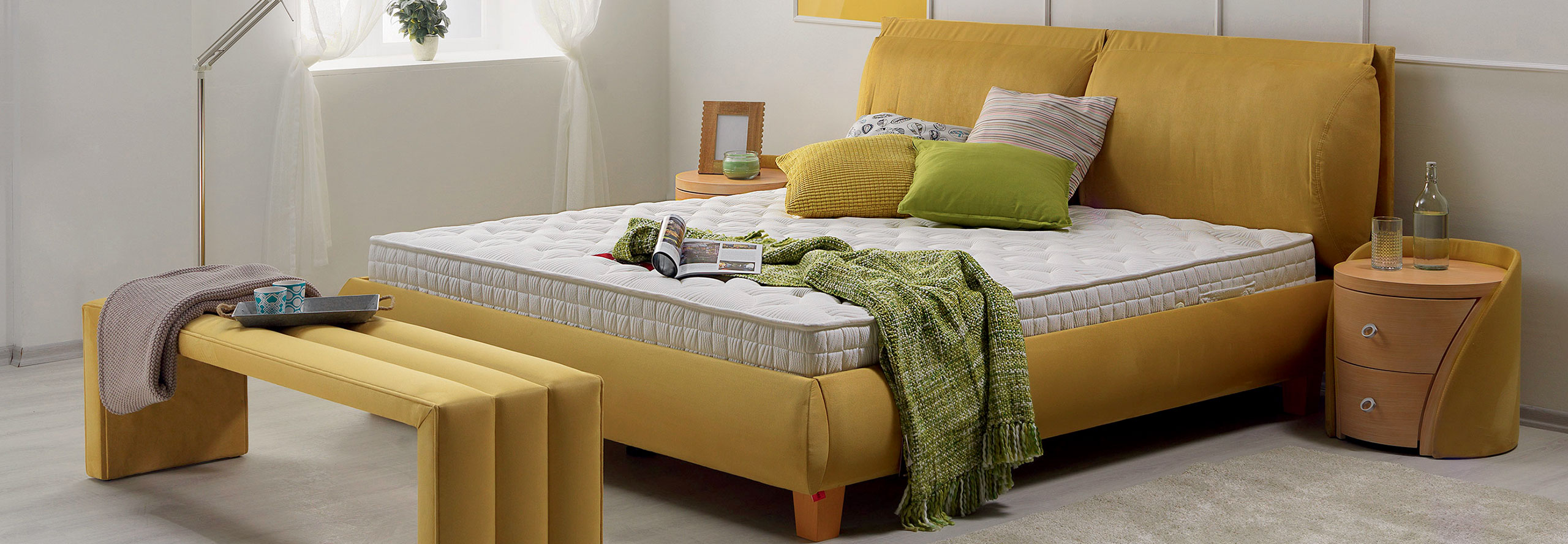 chambre moderne jaune moutarde